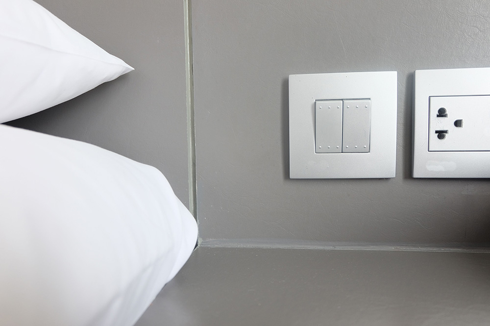 Control Your Bedroom Lights With a Switch